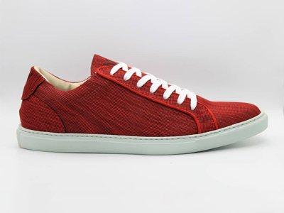 sustainable footwear label woowe