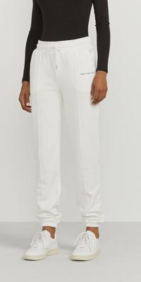 Pantaloni organici per un guardaroba sostenibile Ninety Percent
